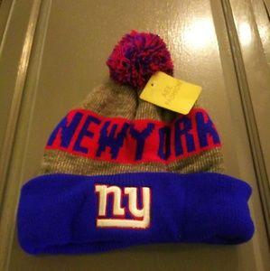 NY Giants winter pom pom hat